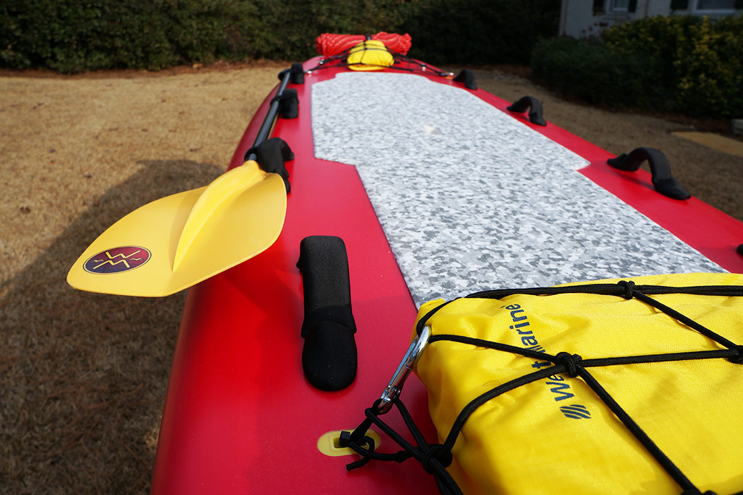 swift-water-rescue-sup-paddle
